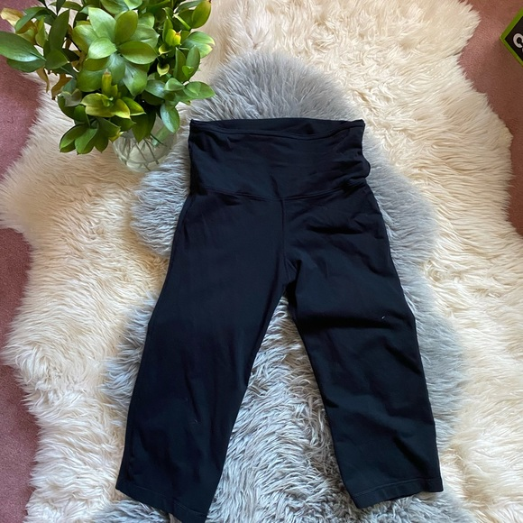 Lululemon Cropped Pants